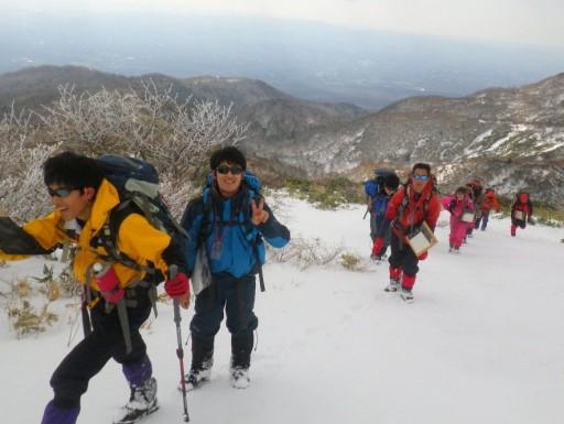 雪面を着実に登る