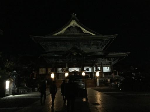 深夜の善光寺本堂