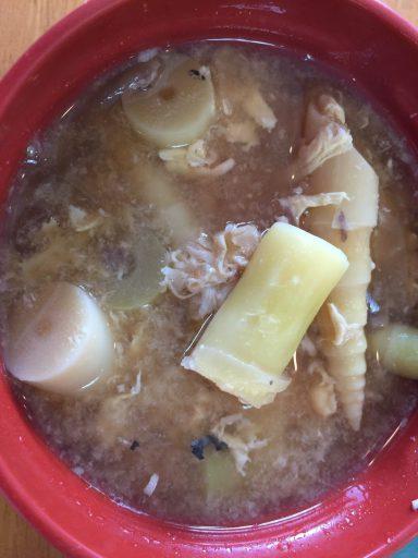 白銀館のヒメタケ汁(ヒメタケ、さば缶、豚肉、溶き卵)
