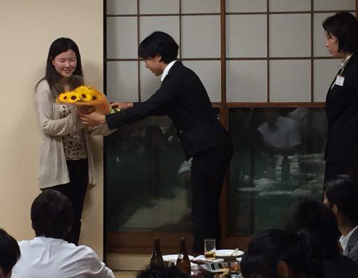 61代田中前コーチへの花束贈呈