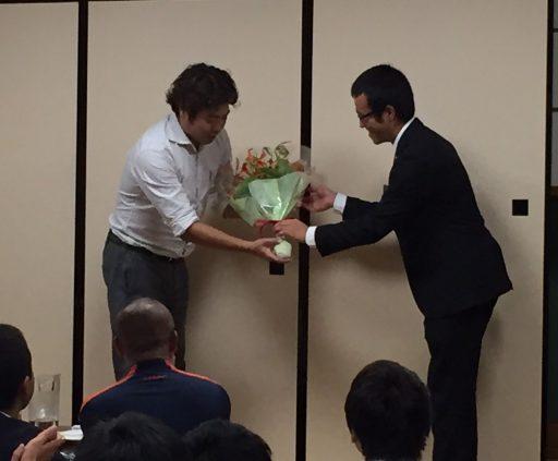 50代長友前コーチへの花束贈呈