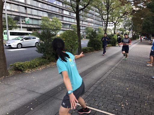 第一走者のトップ(2年木元君)が戻って来ました